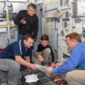 Expedition 18 crew participate in Columbus training at EAC