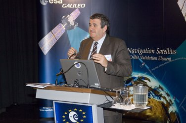 GIOVE-B in the ESTEC Test Centre - Giuseppe Viriglio addressing media representatives