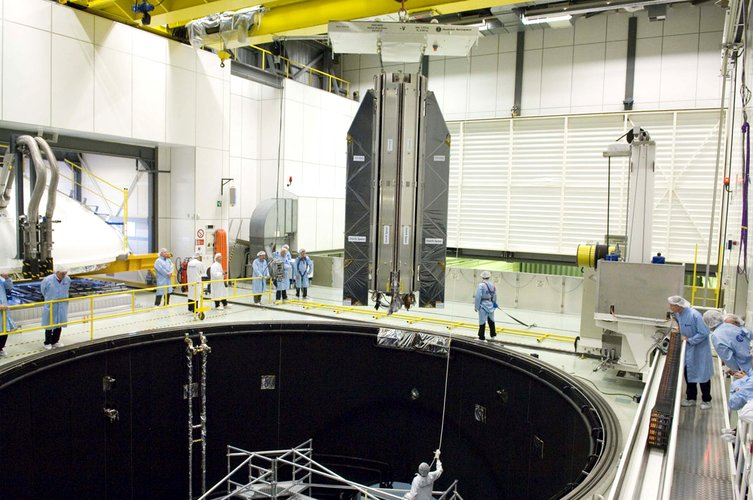 Lowering GOCE into the Large Solar Simulator
