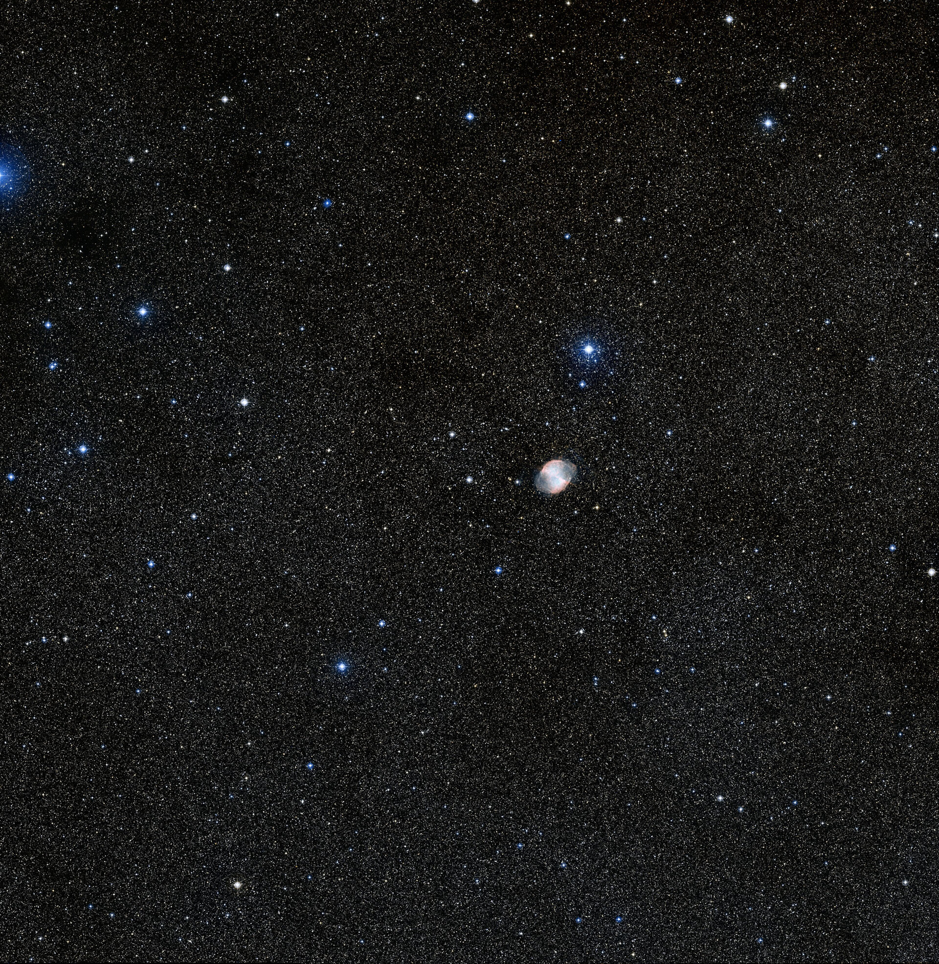 Wide-field view of HD 189733b and surroundings