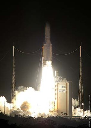 Ariane 5 ECA clears the launch tower
