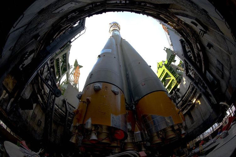 Soyuz-Fregat launch vehicle carrying GIOVE-B on launch pad