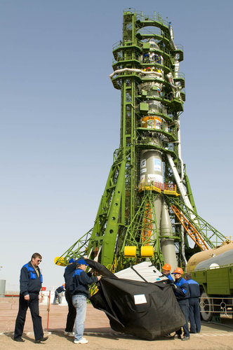 Soyuz FG-Fregat vehicle carrying ESA's GIOVE-B satellite