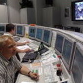 ESA's P. Schmitz monitors data from NASA's Phoenix lander