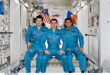 Expedition 17 ISS crew portrait inside Kibo Japanese Pressurized Module