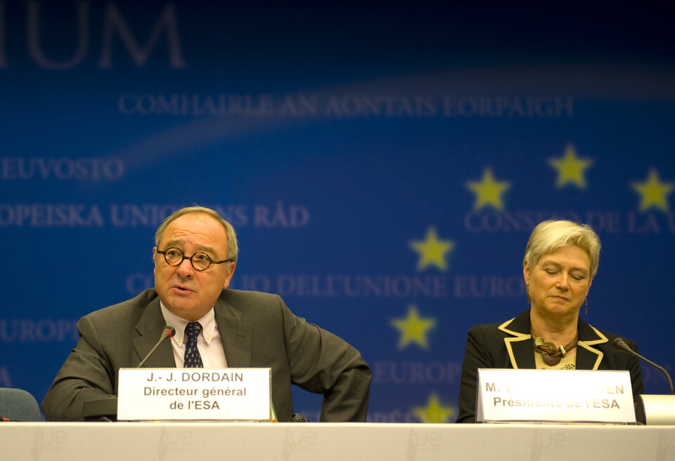 ESA Director General Jean-Jacques Dordain speaking in Brussels