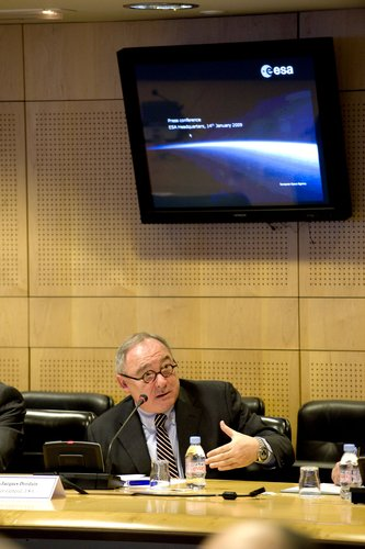 ESA's Director General during the annual press briefing on 14 January 2009