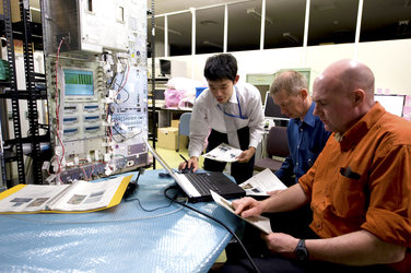 Frank De Winne and André Kuipers during experiment training at Tsukuba Space Center