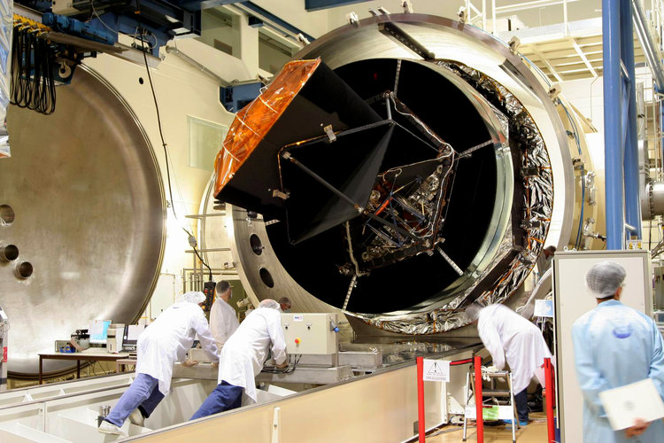 Planck enters test chamber at CSL