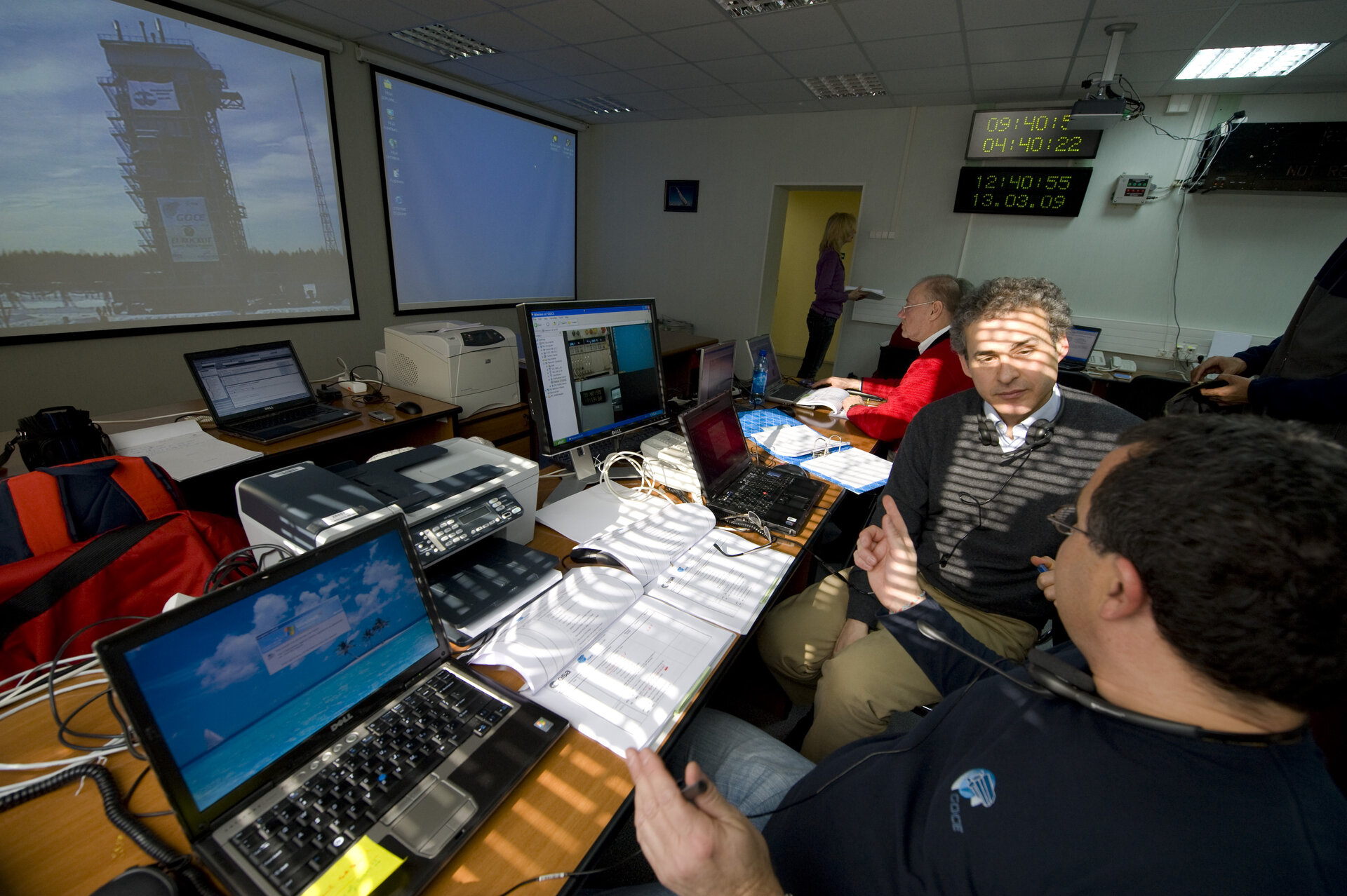 ESA team working at Plesetsk during GOCE launch rehearsal, 13 March 2009