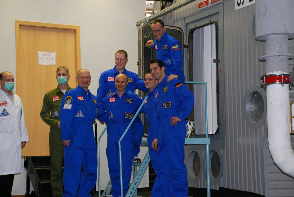The crew started their simulated mission on 31 March