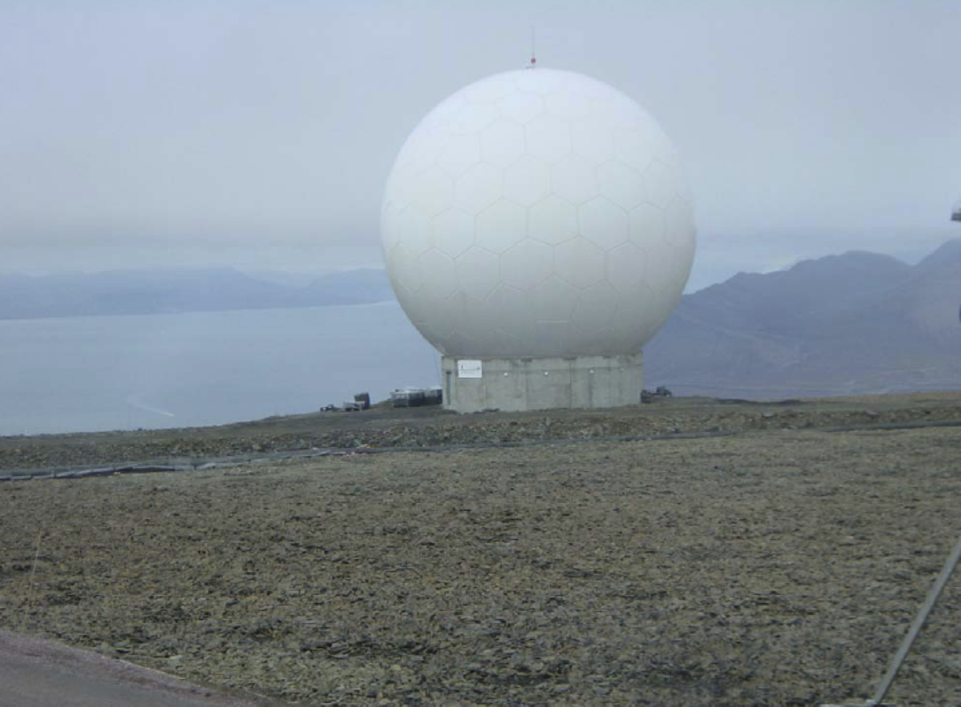 Svalbard station's SG-3 antenna terminal: waiting for GOCE