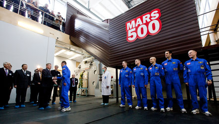 Mars500 crew prepares to enter the isolation facility at IBMP