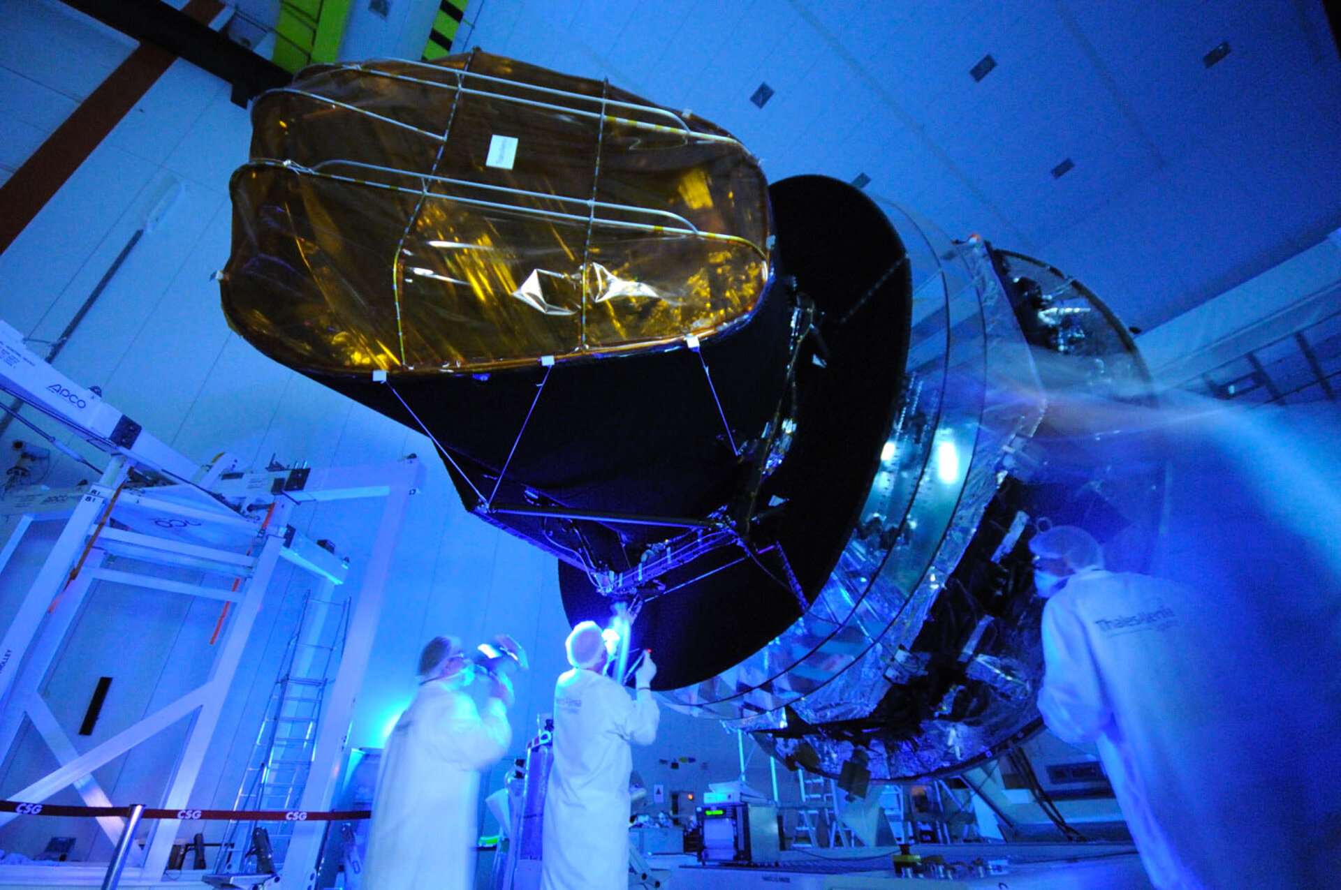 Planck inspection under ultraviolet light