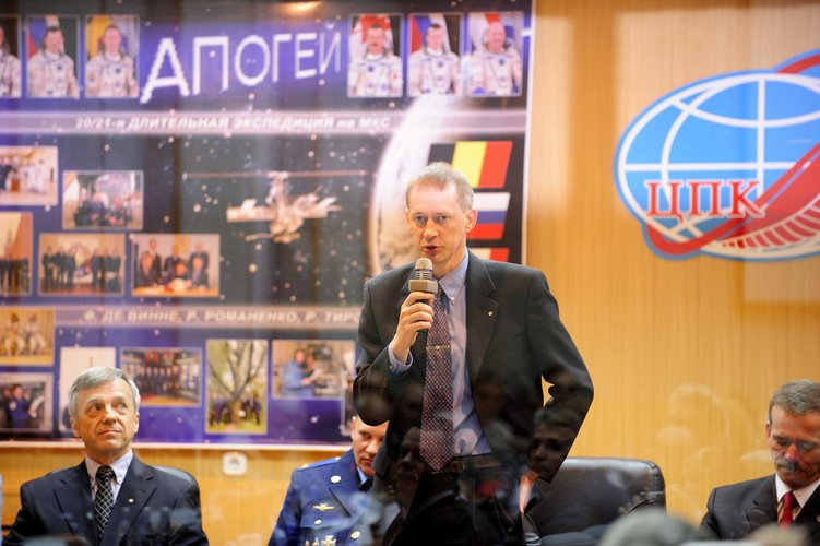 ESA astronaut Frank De Winne talks during the State Commission meeting to approve the Soyuz launch