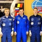Soyuz TMA-15 crew and back-up crew at press conference