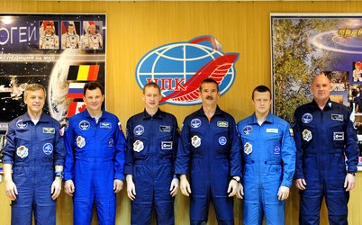 Soyuz TMA-15 crew and back-up crew at the pre-launch press conference