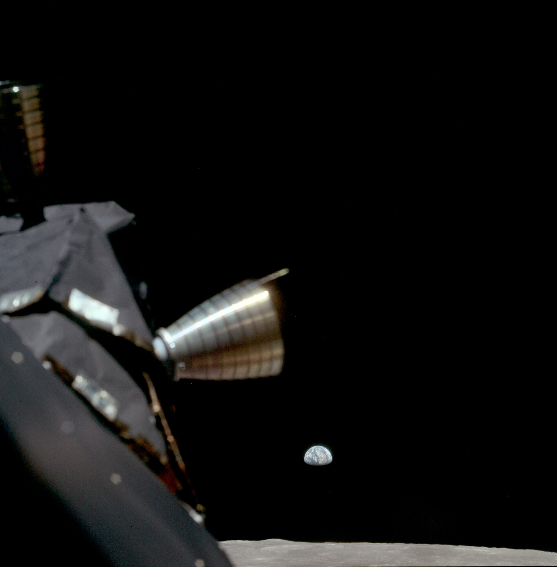 Apollo 11 arrives in lunar orbit