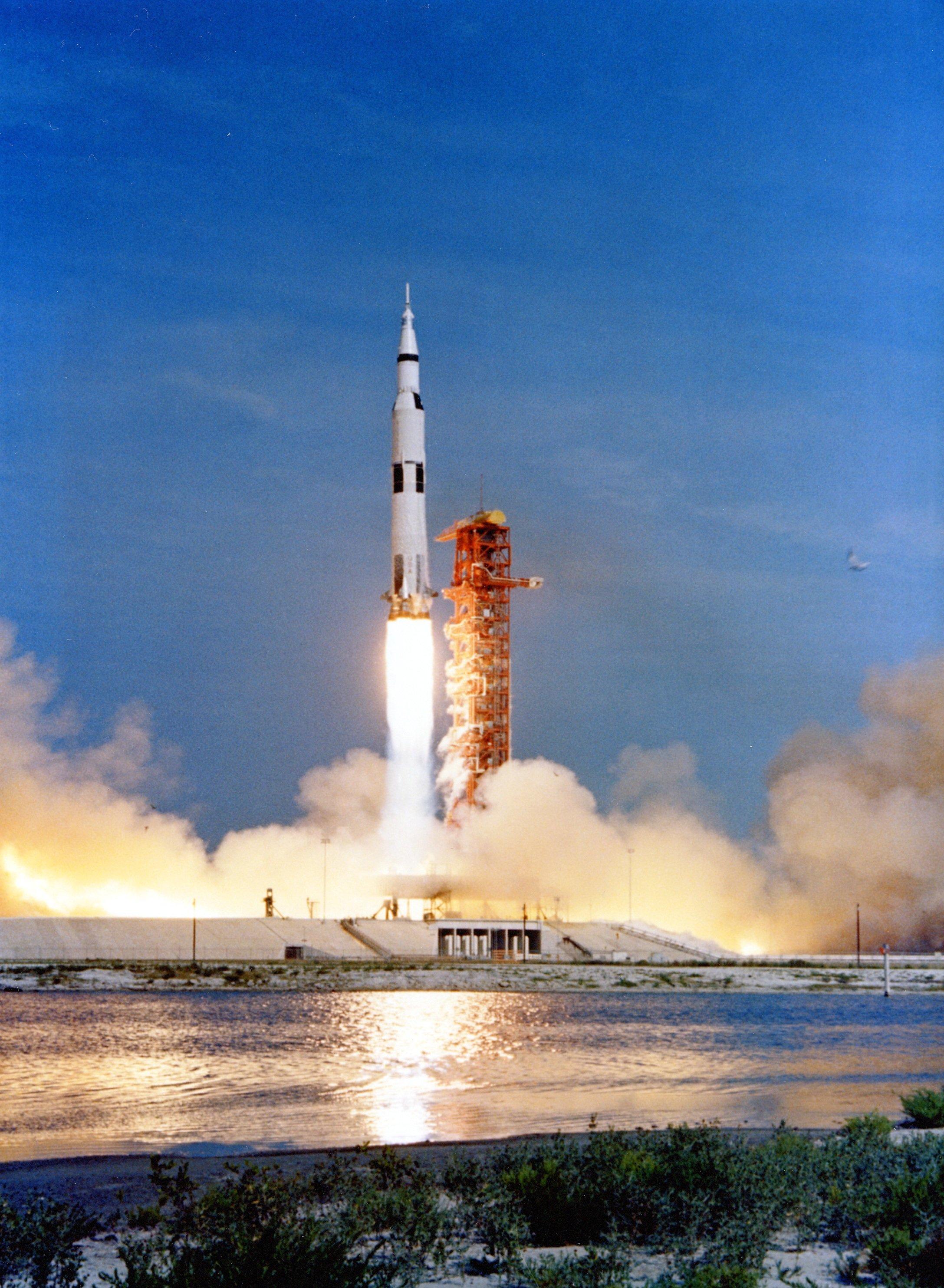 apollo 11 launch - HD2175×2967