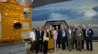 Heads of communication from Member States visit ESA Pavilion