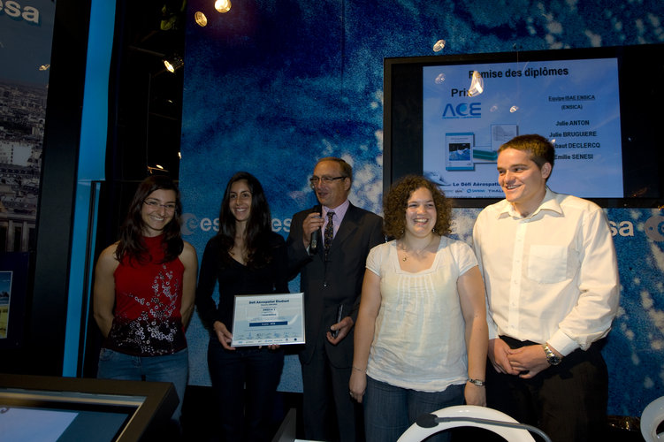 Prizegiving ceremony for the Student Aerospace Challenge in the ESA Pavilion at Le Bourget