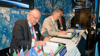Signature of the Long-Lead Items Contracts for the Galileo FOC s