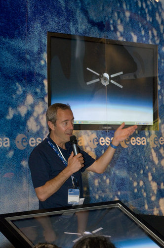 'Working in Space', presentation to the public by Jean-Francois Clervoy