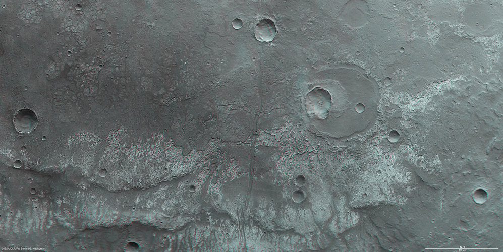 Close to Ma'adim Vallis, in 3D