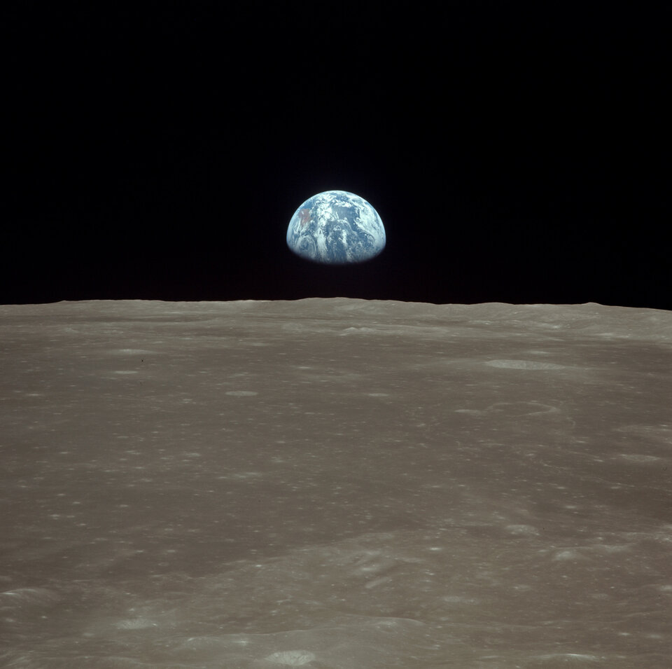 Earthrise seen from Apollo 11