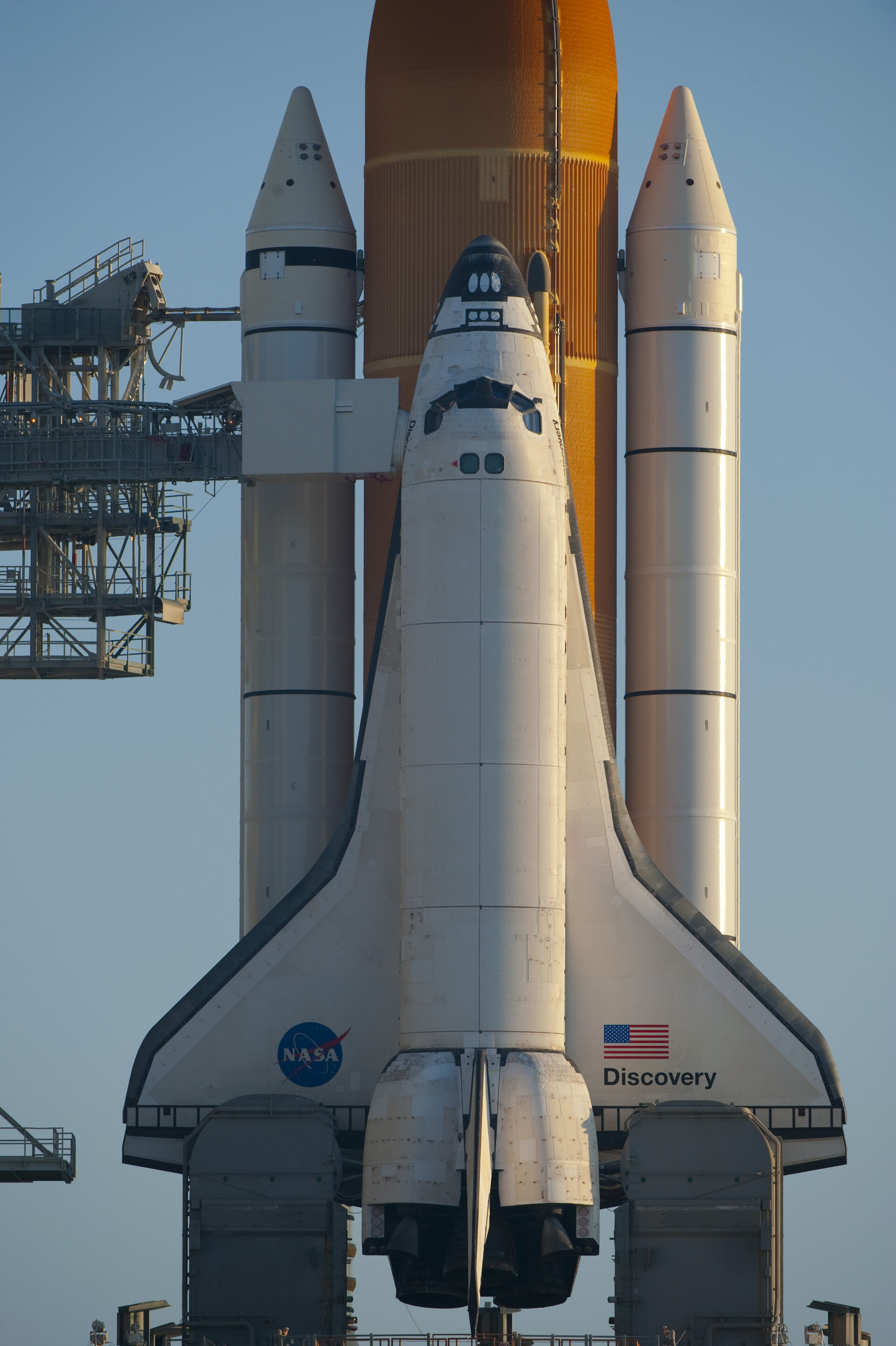 Esa Space Shuttle Discovery On The Launch Pad