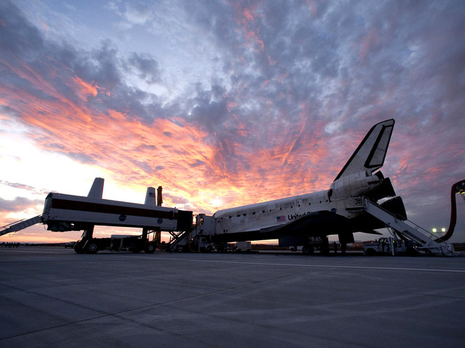Discoveryafter landing  at Edwards Air Force Base at the end of the STS-128 mission