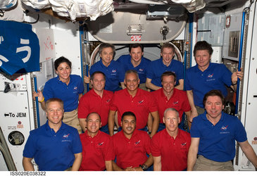 Joint portrait STS-128 and ISS Expedition 20 crews