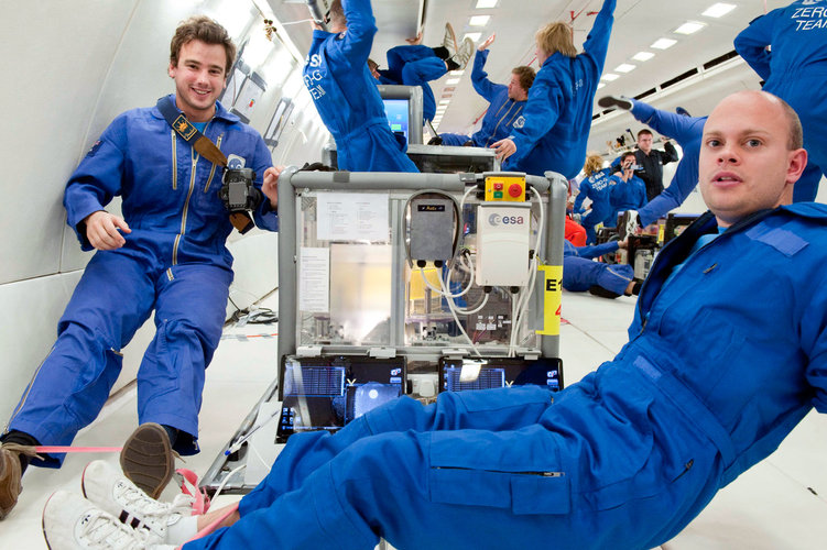 The UK-French team in microgravity