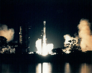 Ariane 3  V13 launch at night, 1985