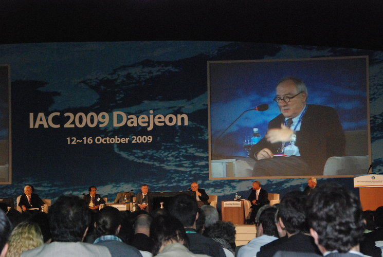 ESA Director General Jean-Jacques Dordain addressing the audience at the Heads of Agencies Plenary Session during the IAC 2009