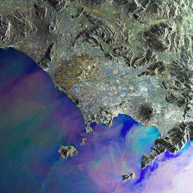 Il Golfo di Napoli   Italy   ESA in your country   ESA 3af49efc04eba
