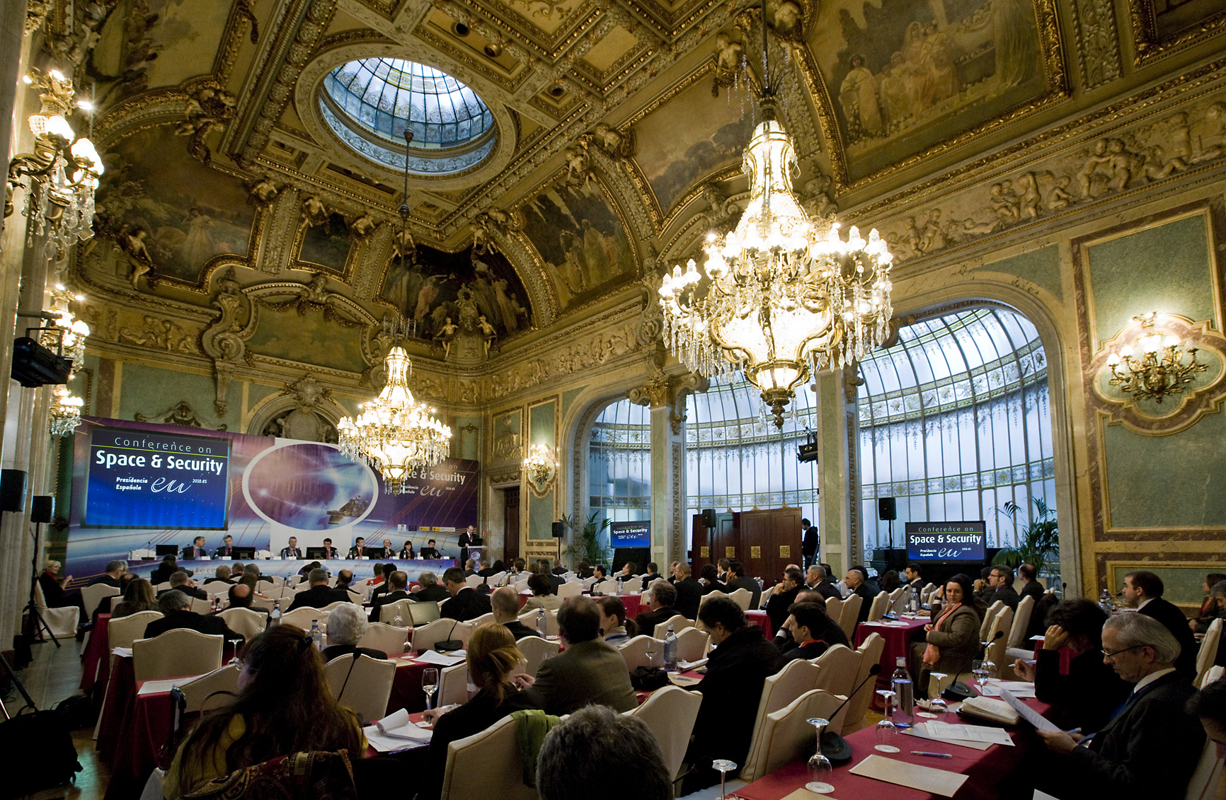 Space in images 2010 03 conference on space and - Space madrid ...
