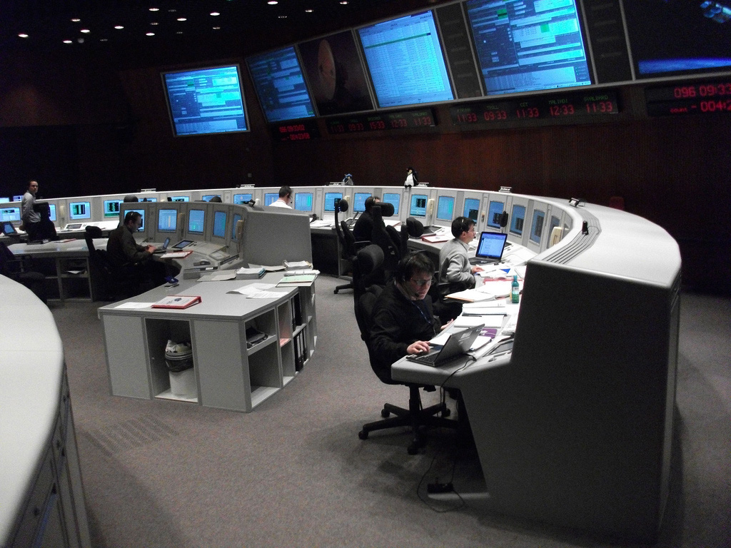 Space in Images - 2010 - 04 - ESOC Main Control Room