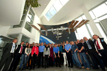 One team: ESA, Russian and Canadian astronauts with mission control engineers at Col-CC