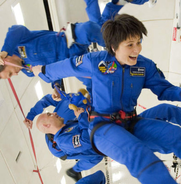 ESA's new astronauts have a taste of zero gravity / Human ...