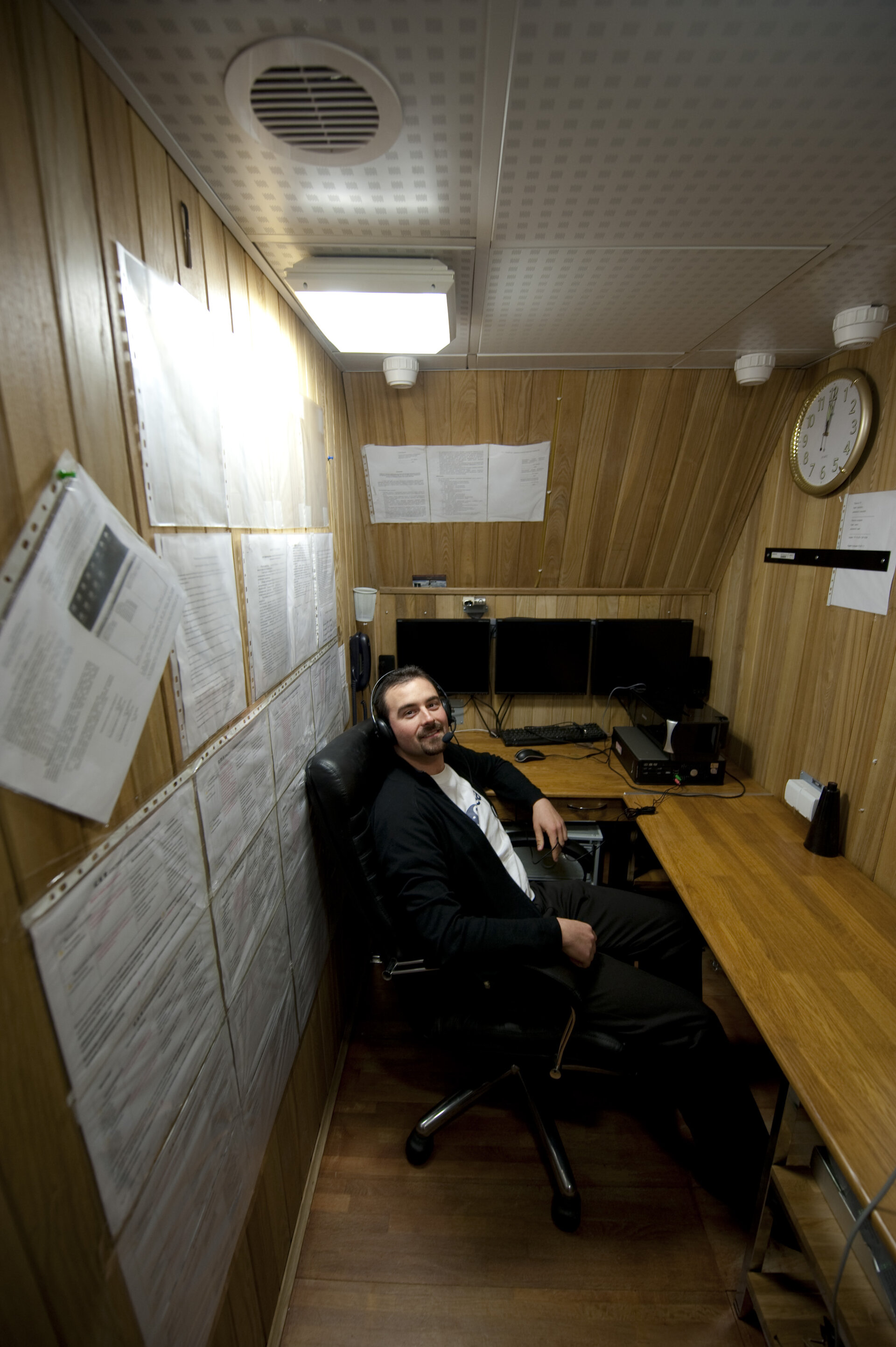 Romain Charles in the communication room of the Mars500