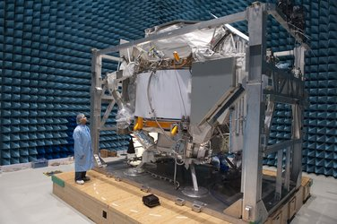 AMS-02 inside Maxwell for EMC testing