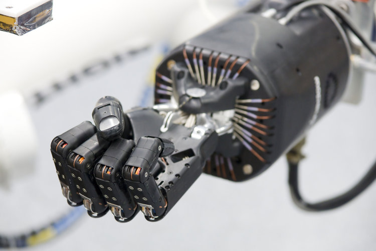 An artificial hand for robot arm