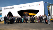 ILA 2010 : International Ambassadors visit the Joint Space Pavil
