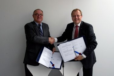 Signing of a Memorandum of Understanding between ESA and DLR
