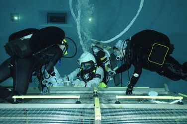 Andreas Mogensen during training  in the Neutral Buoyancy Facility at EAC