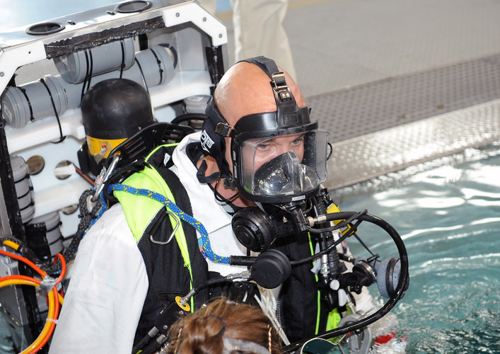 Luca Parmitano during training in the Neutral Buoyancy Facility at EAC