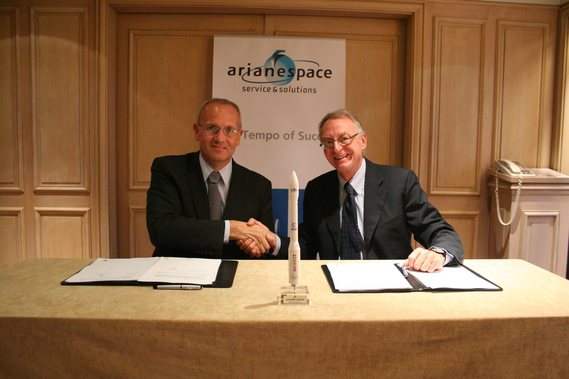 Antonio Fabrizi, ESA Director of Launchers and Jean-Yves Le Gall, Chief Executive Officer of Arianespace