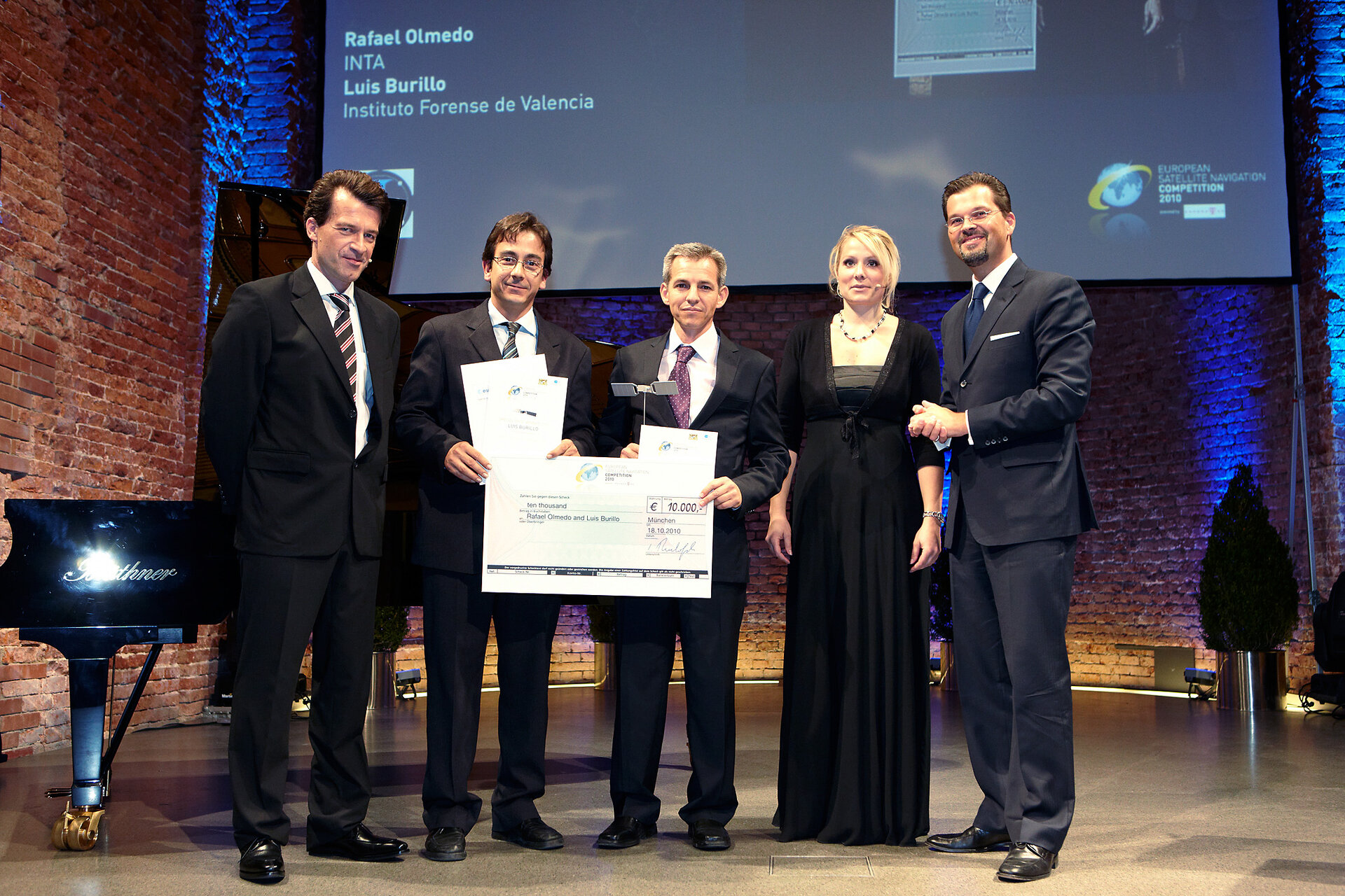 ESA Innovation Prize winners Olmedo and Burillo