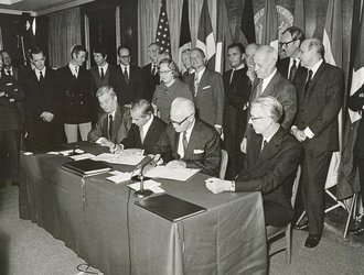Signature of Spacelab Memorandum of Understanding, ESRO/NASA, 1973